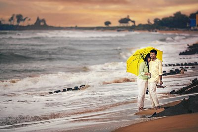 Pre-wedding photography by Roll on Two Studios