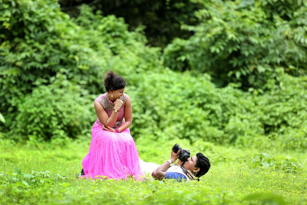 Pre Wedding Shoots Photographers In Vasai Maharashtra Canvera