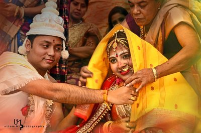 Bengali wedding photography by Uttam M Photography