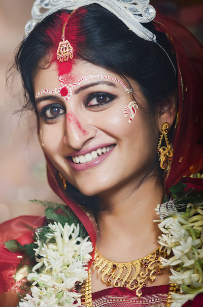 Bengali wedding photography by FOTOSUTRA