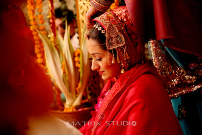 Bridal Portraits photography by Matrix Studio