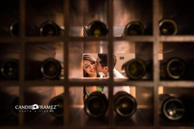 Pre-wedding photography by Candid Framez
