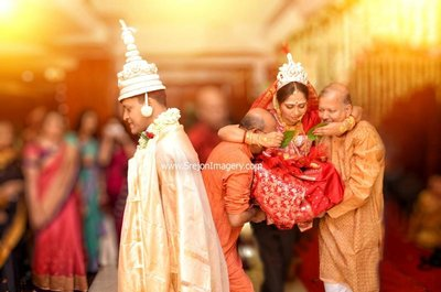 Bengali wedding photography by SREJON IMAGERY